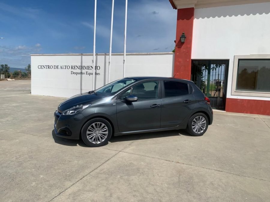 Peugeot 208 - 1.2 PureStyle 26